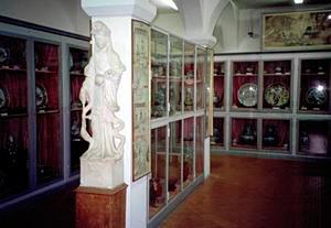 Prima sala dedicata alla Cina, Museo Missionario del Convento di San Francesco, Fiesole.