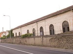 Edifici dell'ex stabilimento per la produzione della seta a Rassina.