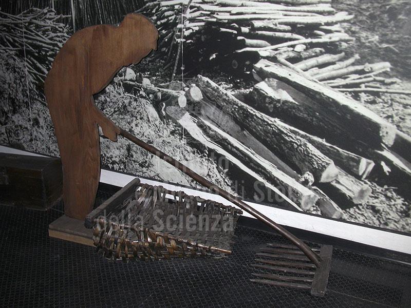 Maquette che illustra il momento della raccolta del carbone, Museo del Carbonaio, Loc. La Chiesa, Cetica, Castel San Niccolò.