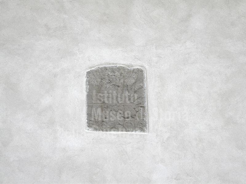 Immagine resti di un 39 emblema dell 39 antico spedale del bigall - Bigallo bagno a ripoli ...