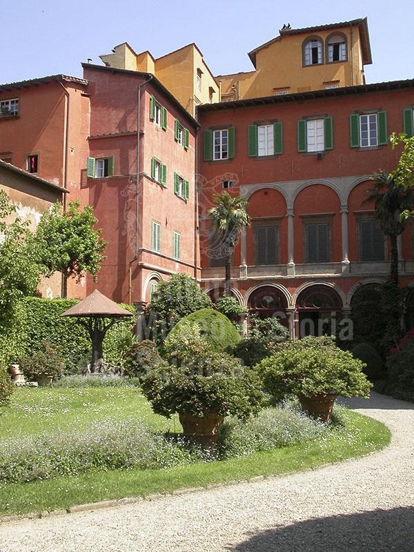 Facciata posteriore di Palazzo Budini Gattai, Firenze.