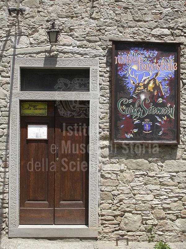 "Ingresso al Museo ""Carlo Siemoni"", Badia a Prataglia, Poppi."