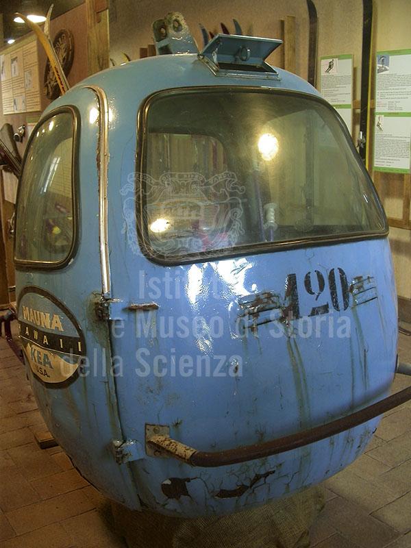Immagine vecchia cabina di una funivia dell 39 abetone museo for Cabina dell orso dello zucchero