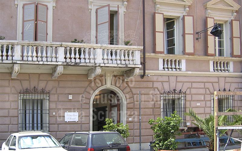 Biblioteca civica, sede del accademia de' Rinnovati, Massa.