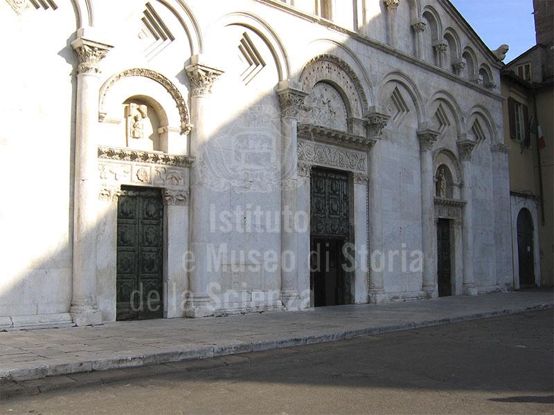 Facciata della Chiesa di Santa Maria Forisportam, Lucca.