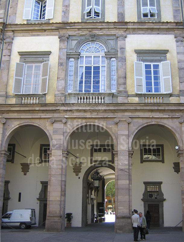 Cortile di Palazzo Ducale, Lucca.