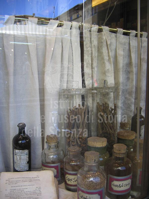 Antichi preparati della Farmacia Massagli, Lucca.