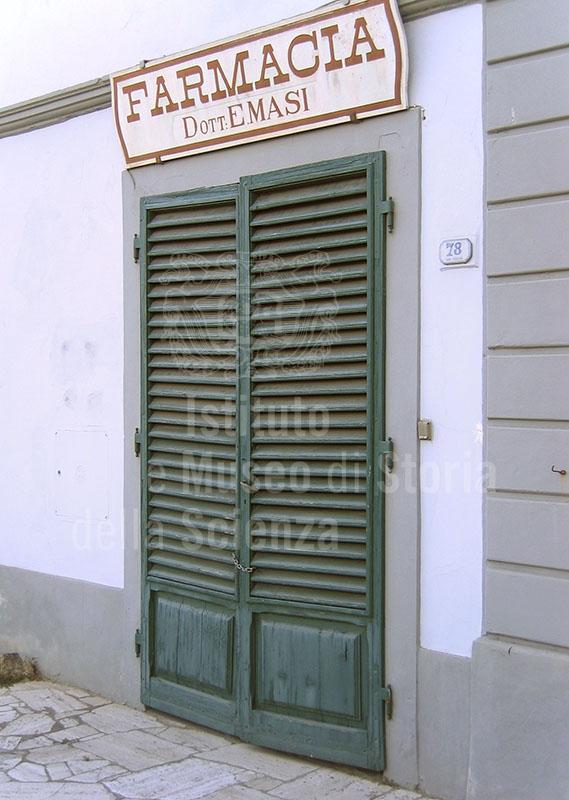 Esterno della vecchia sede della Farmacia Masi, Barberino Val d'Elsa.