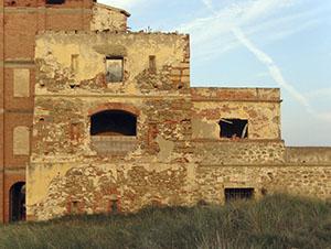 Esterno della Torre del Sale, Piombino.
