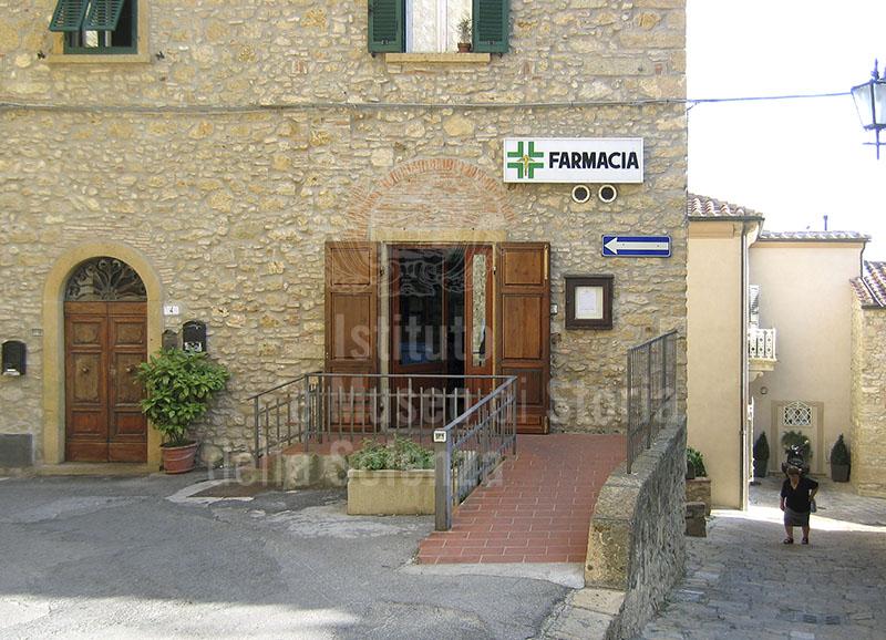 Esterno della Farmacia Comunale, Casale Marittimo.