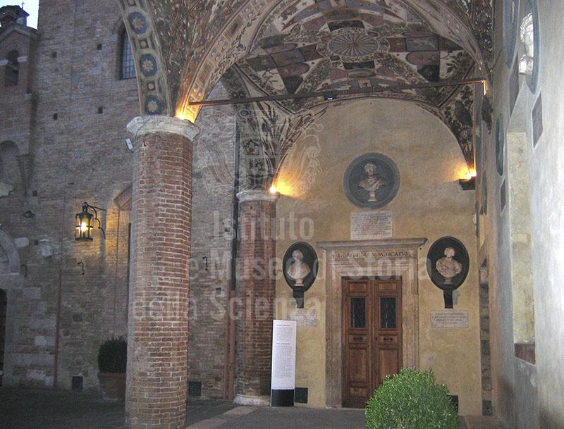 Cortile dell'Accademia musicale Chigiana, Siena.