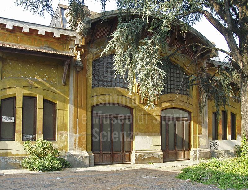 Facciata della palazzina d'ingresso, ex Officine San Giorgio, Pistoia.