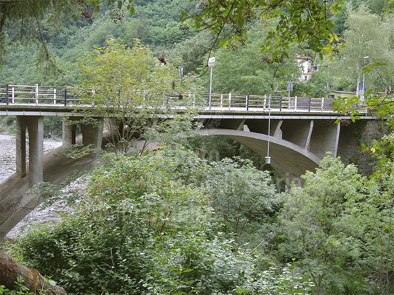 Bridge on the Lima, locality of La Lima, Piteglio.