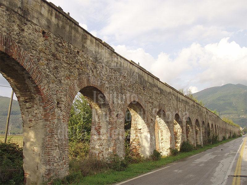 Acquedotto Mediceo presso Asciano, San Giuliano Terme.
