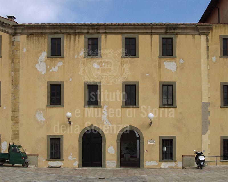 Ex sede della Biblioteca Foresiana, presso il Palazzo Comunale della Biscotteria in Via Garibaldi, Portoferraio.