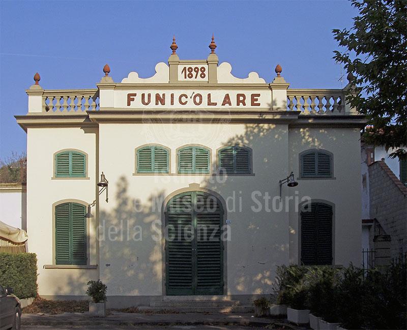 Ingresso alla funicolare (Stazione a Valle), Montecatini Terme.