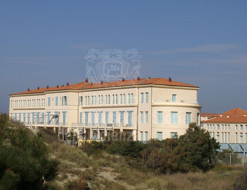 Veduta generale dal lato a mare, ex Colonia Marina Principi di Piemonte, Calambrone, Pisa.