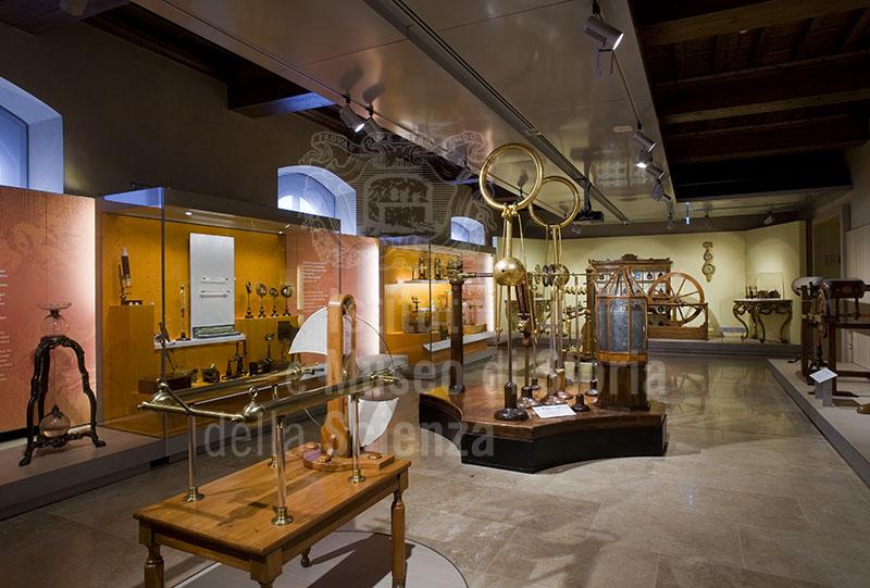 Sala XI - Lo spettacolo della scienza, Museo Galileo, Firenze.