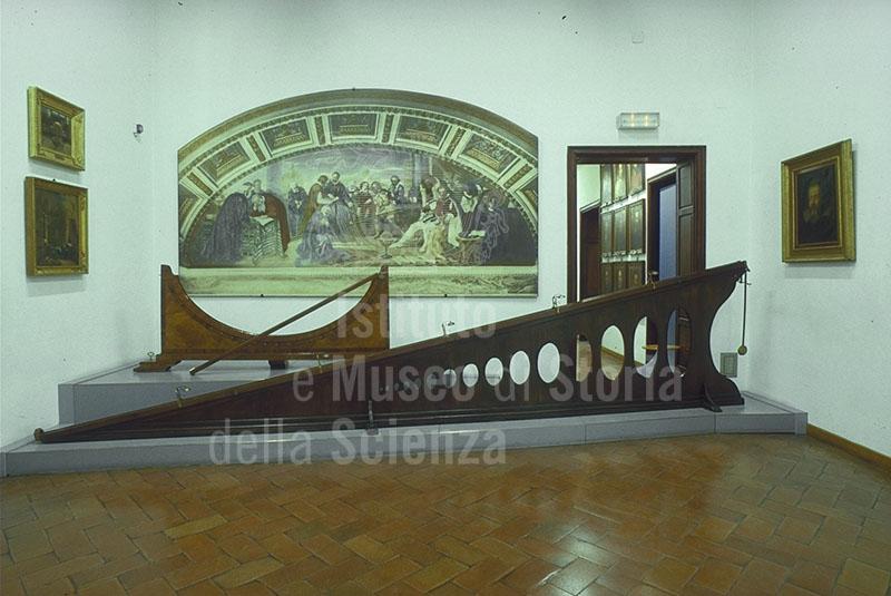 Immagine sala dedicata a galileo galilei il piano inclinat for 1 piano piano di storia