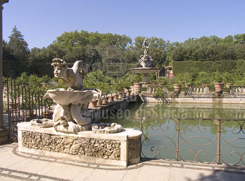 Immagine la vasca dell 39 isola giardino di boboli firenze for Vasca giardino
