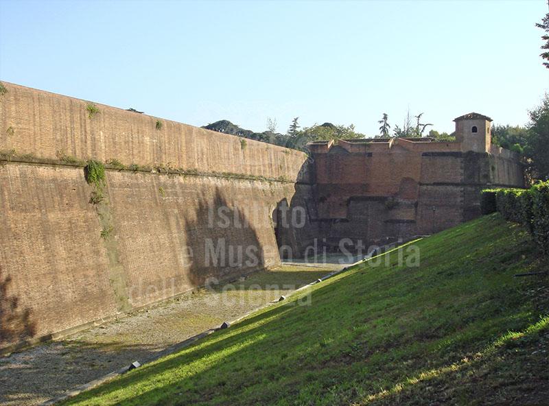 Fortezza da Basso a Firenze: le mura.