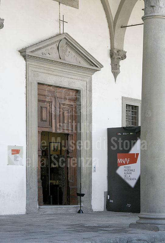 Immagine ingresso dell 39 edificio detto delle leopoldine do for Dove ha sede il parlamento