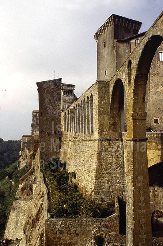 Antico acquedotto di Pitigliano.