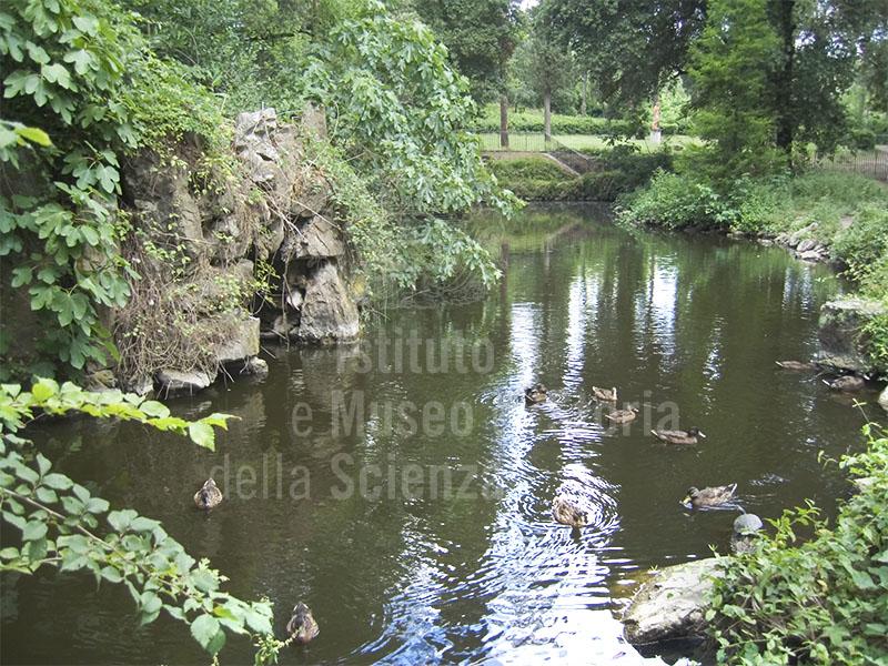 Immagine il laghetto artificiale del giardino stibbert fir - Giardino artificiale ...