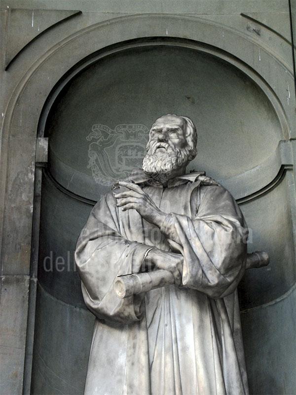 Statua di Galileo Galilei, Loggiato degli Uffizi, Firenze.