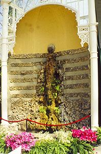 Fontana all'interno del tepidario del Giardino dell'Orticultura, Firenze.