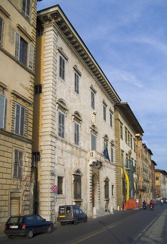 Facciata dell'Archivio di Stato di Pisa.