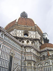 "The Cupola di Santa Maria del Fiore, Florence, and one of the ""Dead tribunes"" added by Brunelleschi."