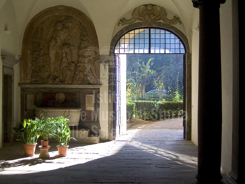 Atrio di Palazzo Guicciardini, Firenze.
