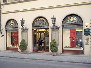 Facciata dell'Ex Farmacia della Legazione Britannica in via Tornabuoni, Firenze.