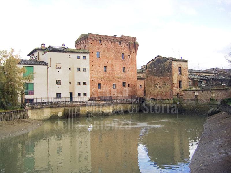 Mulino ad acqua fortificato, Monteroni d'Arbia.