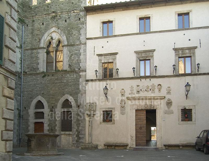 Palazzo comunale di San Casciano dei Bagni, antica sede della Farmacia.
