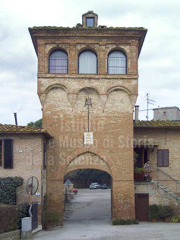 La torre esterna della Grancia di Cuna, Monteroni d'Arbia.