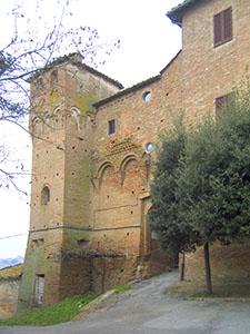 Una delle porte di accesso alla Grancia di Cuna, Monteroni d'Arbia.