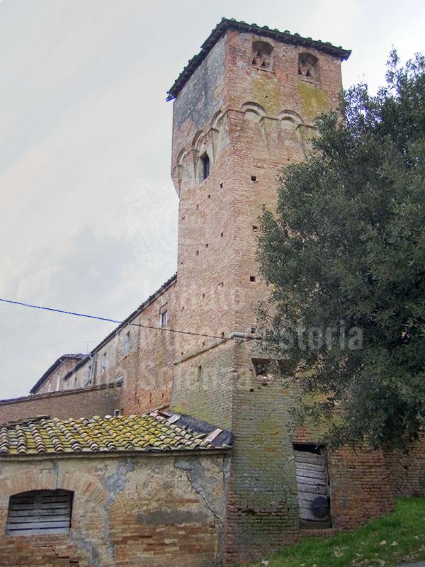 Una delle torri fortificate della Grancia di Cuna, Monteroni d'Arbia.