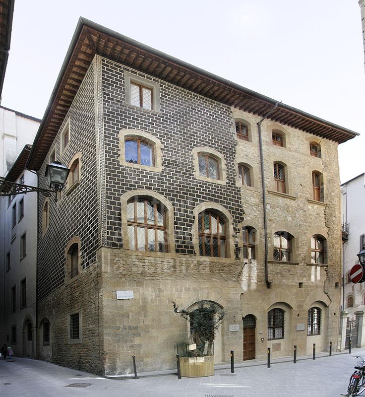 Facciata dell'Accademia dei Georgofili, Firenze.