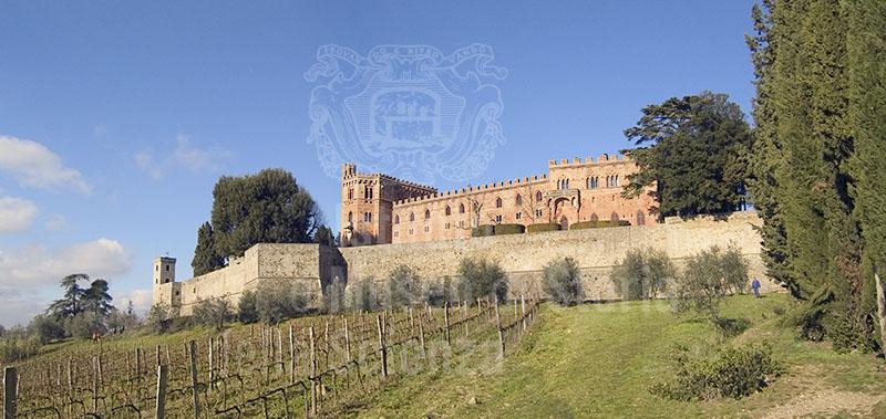 Panoramica del Castello di Brolio, Gaiole in Chianti.