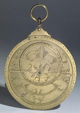 Astrolabio arabo
